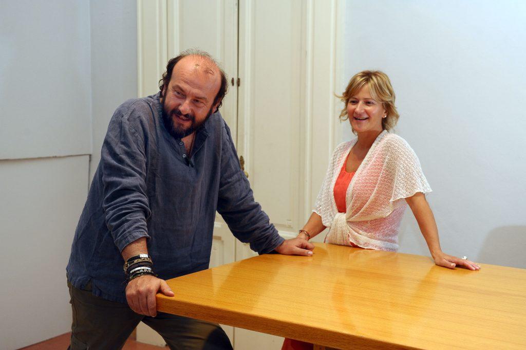 Davide Rondoni con l'autrice. Foto di Simone Comi contenuta nel libro