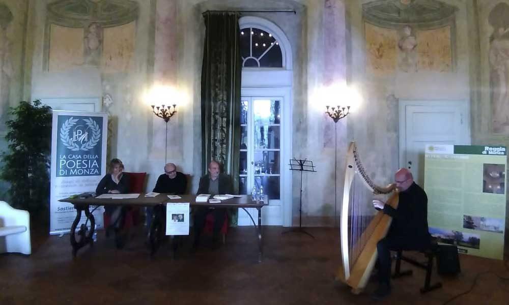 Elisabetta Motta con Giampiero Neri, Luciano Ragozzino e Vincenzo Zitello all'arpa. Villa Mirabello