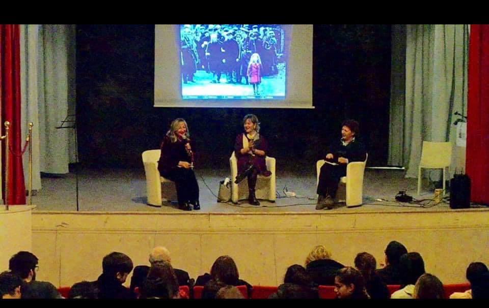 Antonetta Carrabs, Elisabetta Motta, Carla Schiaffelli presso il Teatrino della Villa Reale di Monza